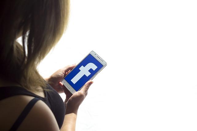Facebook messenger pour echanger avec ses clients